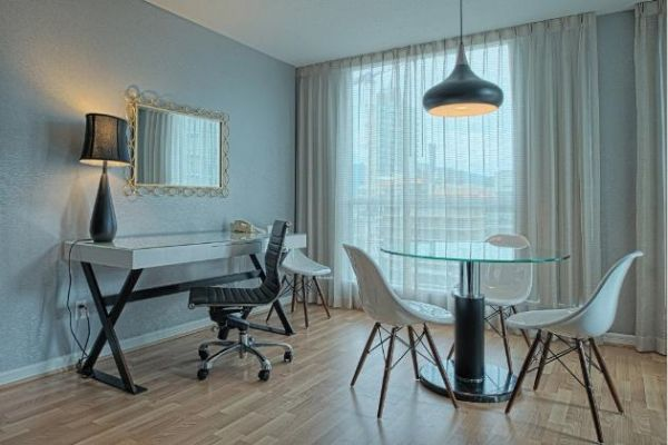 Carmana Plaza -  Executive Floors